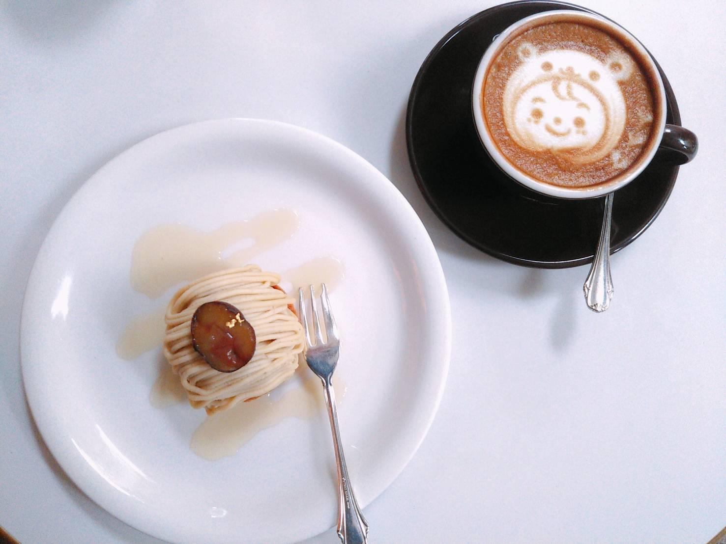 開港150年余りの神戸旧居留地の玄関口にある イタリアのバールのようなカフェ『カフェラ 神戸大丸店』