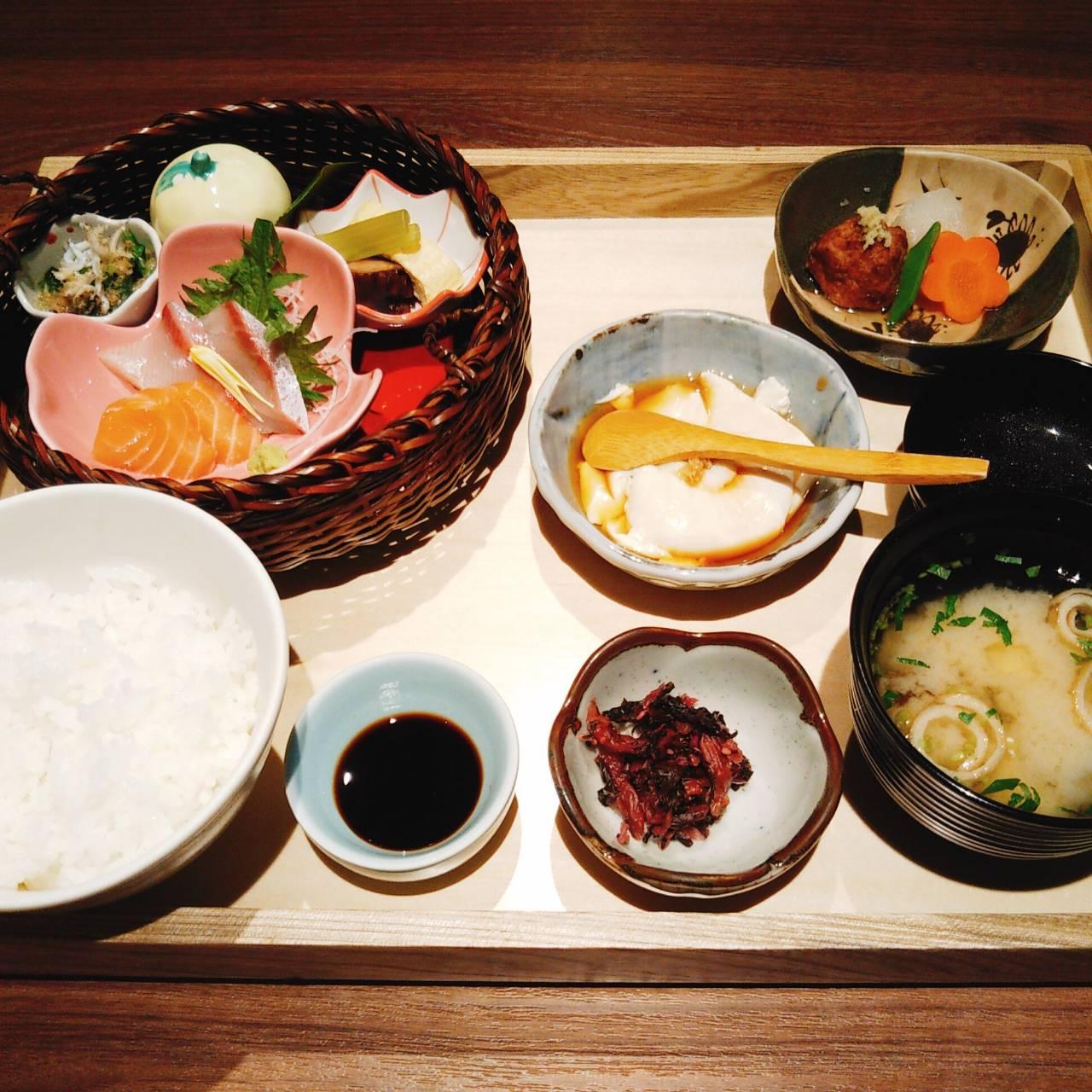 阪神電車 神戸三宮駅から僅か徒歩30秒の 本格和食処『いざかや粋旬 西村屋』