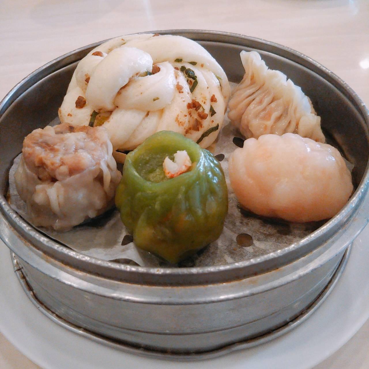 鯉川筋沿いにある 点心で評判の広東料理の名店『龍泉』