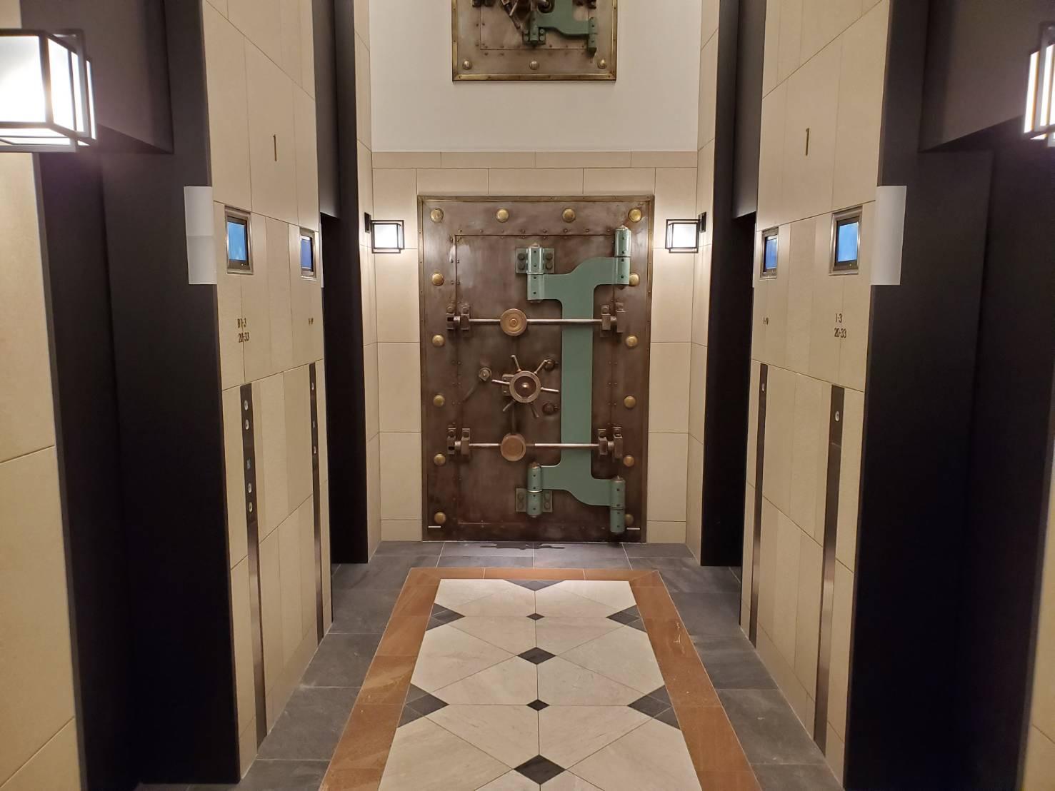 ザ・パークハウス神戸タワーの1階エレベーターホール