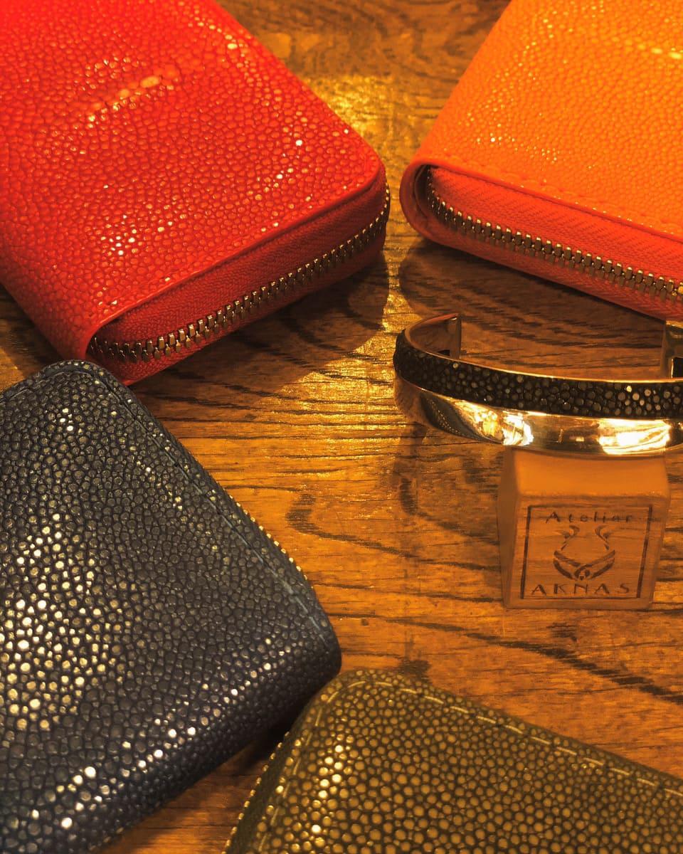 店頭で販売されている財布